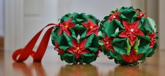 kusudama christmas pascua flower Origami Modular, Paper Art, Paper Crafts, Christmas Origami, Paper Trail, Flower Ball, Ball Ornaments, Creative Home, Paper Cutting