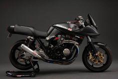 Return of the Cafe Racers - Celebrating 35 years – the Suzuki Katana Suzuki Motos, Moto Suzuki, Suzuki Motorcycle, Suzuki Gsx, Racing Motorcycles, Custom Motorcycles, Custom Bikes, Motorcycle News, Girl Motorcycle