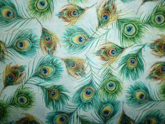 CLEARANCE FQ BEAUTIFUL BRIGHT GILDED PEACOCK FEATHERS FABRIC BIRD KITSCH