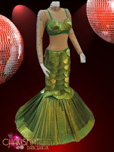 CHARISMATICO Green Iridescent pleated satin shell top and matching mermaid Skirt Mermaid Bra, Mermaid Skirt, Shell Tops, Blue Satin, Showgirls, Bra Tops, Dance Wear, The Little Mermaid, Fancy Dress