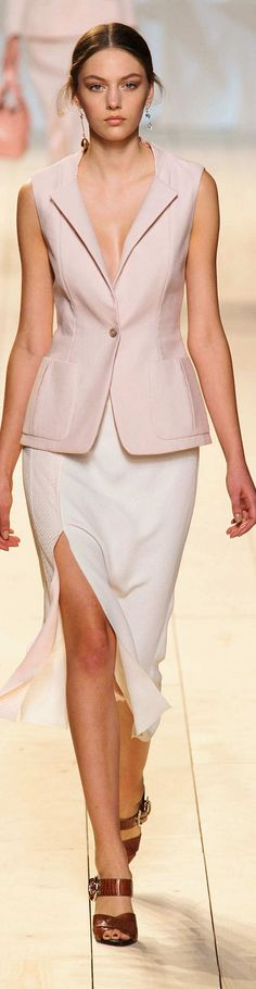Nina Ricci Collection Spring 2015