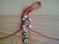 DIY / Rhinestone bracelet