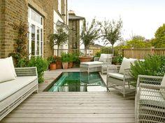 Jardines pequeños con encanto - Las nuevas tendencias para 2021 - Backyard Pool Designs, Small Backyard Design, Small Backyard Pools, Balcony Design, Balcony Ideas, Backyard Ideas, Backyard Landscaping, Victorian Townhouse, Victorian Homes