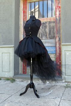 Steampunk High low SKIRT for Halloween Costume. Perfect for gothic, witch, sorceress or Renaissance. Jacket (from Hot Topic) not included : Steampunk High low SKIRT for Halloween Costume. Perfect for Night Club Outfits, High Low Skirt, Tulle Tutu, Tulle Poms, Celebrity Dresses, Celebrity Style, Fashion Outfits, Fashion Tips, Fashion Clothes