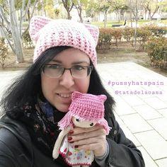 Pussy hat Winter Hats, Crochet Hats, Fashion, Amigurumi Patterns, Knitting Hats, Moda, Fashion Styles, Fashion Illustrations