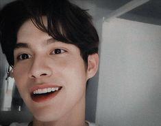 Dramas, Bad Boy Aesthetic, Bright Wallpaper, Cute Love Memes, Mode Streetwear, Bae, Thai Drama, Handsome Faces, Bright Eyes