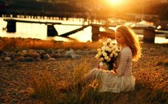 Girl Holding Flowers Sunset Evening Check more at http://hdwallpaperfx.com/girl-holding-flowers-sunset-evening/