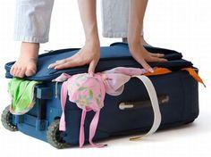 10 oggetti da non dimenticare quando viaggi con i bambini  http://www.momsontherun.it/tips-tricks/10-oggetti-non-dimenticare-quando-viaggi-bambini.html