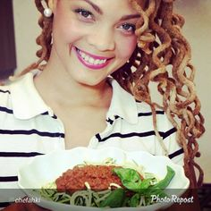 #Akhi #chefahki #sephsenahki #dreadhoneys #dreadlocks #dreads #locs #natty #natural #beauty #beautiful #woman #chef #celebritychef  #food #cook