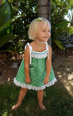 DSC05587.jpg (1013×1600) Sewing Machine Projects, Sewing Projects For Kids, Sewing For Kids, Baby Dress Patterns, Kids Patterns, Sewing Patterns, Pillow Dress, Toddler Pillow, Sewing Kids Clothes