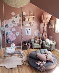 35 cute little girl princess bedroom decor reveal 5 Playroom Design, Kids Room Design, Baby Room Decor, Bedroom Decor, Bedroom Ideas, Girls Princess Bedroom, 4 Year Old Girl Bedroom, Rustic Girls Bedroom, Toddler Princess Room