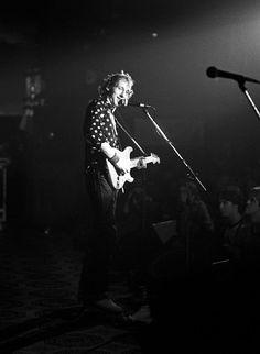 Mark Knopfler: photos by Scott Newton