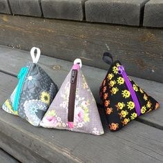 Sewing Bags Anette L syr och skapar: Beskrivning till tetror Sewing Blogs, Easy Sewing Projects, Sewing Hacks, Sewing Tutorials, Sewing Crafts, Craft Patterns, Sewing Patterns, Twister Quilts, Coin Purse Tutorial