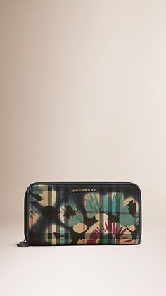 a9e7da9abc02 Navy/brilliant navy Tie-dye Print Horseferry Check Ziparound Wallet Wallets  For Women,