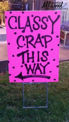 Garage Sale Signs that bring in a LOT of traffic!!  Great blog post by Jennifer Allwood of the Magic Brush.