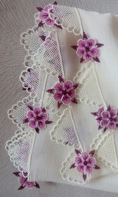 Simple Hand Embroidery Patterns, Rose Embroidery, Silk Ribbon Embroidery, Lace Patterns, Embroidery Kits, Modern Embroidery, Cross Stitch Embroidery, Stitch Patterns, Crochet Patterns