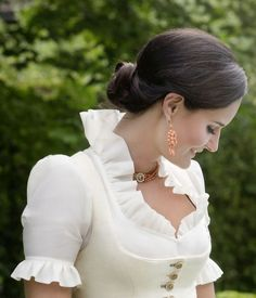 Oktoberfest Outfit, Folk Costume, Costumes, German Women, Ethnic Dress, Southern Belle, Aesthetic Fashion, High Collar, No Frills