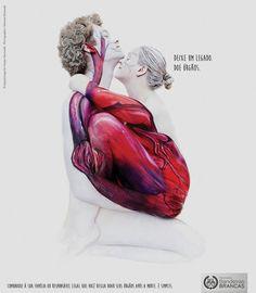 Para estimular a doação de órgãos, dois publicitários, Brunno Barbosa e Alexsander Brunello, e uma artista alemã, Gesine Marwedele , lançaram a campanha Movimento Bandeiras Brancas.