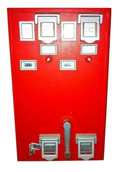 Brievenbussen - postzegelautomaat Ik kan me deze nog herinneren, was best wel handig!