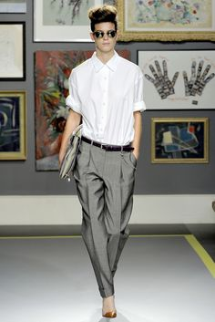 Paul Smith - Spring 2011 Ready-to-Wear - Look 1 of 44