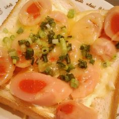 余ってた明太子入り魚肉ソーセージを乗せたトースト#snapshot #snap #toast #breakfast