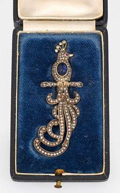 Russische Saphir-Diamantbrosche Russland. Um 1900. 14 ct. Gelbgold, teilw. mit Silber verbödet. De — Schmuck