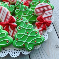 - Merry and Bright by Cookies on Cambridge Christmas Sugar Cookies, Christmas Sweets, Christmas Cooking, Christmas Goodies, Holiday Cookies, Christmas Candy, Christmas Cookies Cutouts, Cute Cookies, Cupcake Cookies