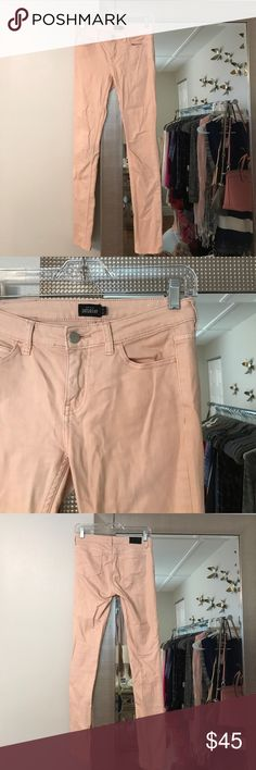 Kate Spade Saturday jeans Light peachy colored jeans. Has a thick texture to them. Worn once. Perfect for spring/summer! Size 25 kate spade Jeans Skinny