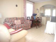 !Oportunidad¡ Chalet independiente cerca de todos los servicios  3 dormitorios, 2 baños y una gran parcela. Visítelo!