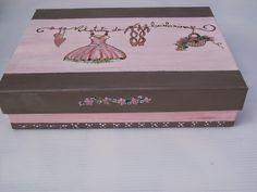Reciclando cajas de cartón para decorar