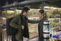 Jordan Hayes as Dr. Sarah Jordan and Matt Long as Dr. Kyle Sommer in HELIX ep. 2.12 The Ascendant.