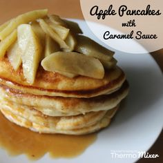 {Thermomix} Apple Pancakes with Caramel Sauce Freeze Pancakes, Pancakes And Waffles, Caramel Waffles, Bellini Recipe, Savory Snacks, Healthy Chocolate, Air Fryer Recipes, Apple Recipes, Breakfast Recipes