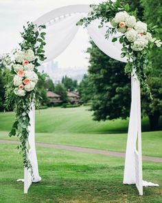 Simple Peach and White Wedding Arch. What a beautiful wedding arch decoration id… Simple Peach and White Wedding Arch. What a beautiful wedding arch decoration idea! White Wedding Arch, Metal Wedding Arch, Wedding Arbors, Wedding Arch Flowers, Wedding Canopy, Garden Wedding, Floral Wedding, Trendy Wedding, Simple Wedding Arch