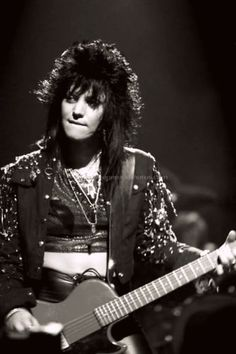 Joan Jett rocking out some tunes...
