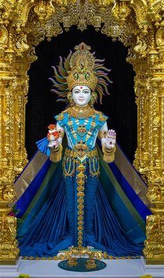 Iskcon Krishna, Radhe Krishna, Saints Of India, Radha Krishna Quotes, Goddess Lakshmi, God Pictures, Jay, Prayers, Princess Zelda