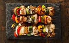 Must-try healthy grilling tips and recipes - Barbecue better! Must-try healthy grilling tips and recipes - Chicken Kabob Recipes, Meat Recipes, Paleo Recipes, Chicken Kabobs, Healthy Grilling Recipes, Grilling Tips, Clean Eating, Healthy Eating, Grilled Jerk Chicken