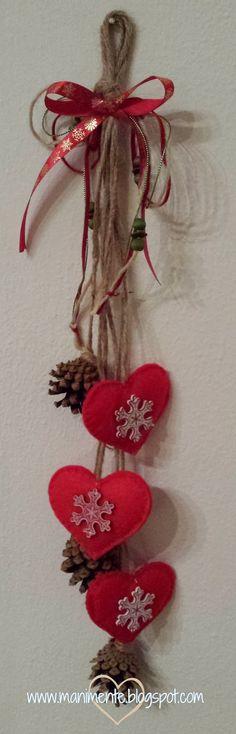 Ideas Simple Door Decs Rustic Christmas For 2019 Christmas Hearts, Felt Christmas Ornaments, Christmas Makes, Noel Christmas, Rustic Christmas, Winter Christmas, All Things Christmas, Handmade Christmas, Christmas Wreaths