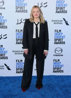 Elisabeth Moss wore a Co Resort 2020 suit to the 2020 Film Independent Spirit Awards (I) Elisabeth Moss, Spirit Awards, Mazda, Pizza House, Suits, Film, American, How To Wear, Dresses