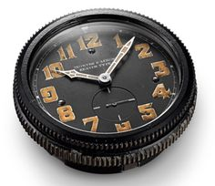 Zenith aircraft clock - History of the Pilot Watch Part II – Zenith Montre d'Aéronef Type 20. Click on the picture above for more details...