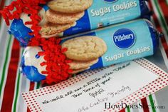 We could all use a little extra dough this time of year. A holiday cookie cutter attached to the bow would be cute too! :: 12 Easy Neighbor or Work Christmas Gift Ideas - MyThirtySpot