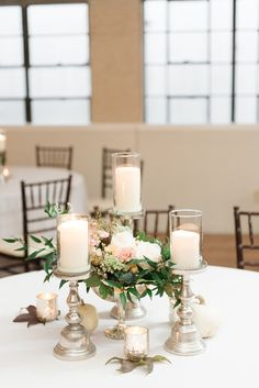 A beautiful centerpiece from HotHouse Design! | Eric & Jamie Photography