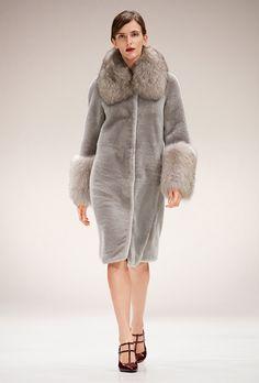 Escada Fall 2017 Ready-to-Wear Fashion Show Collection
