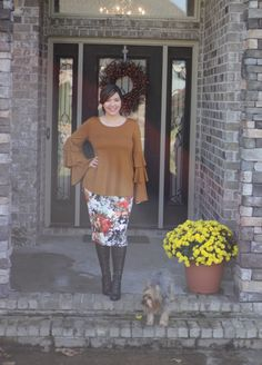 Our Zoe top has beautiful ruffled sleeves and is the perfect mustard shade for fall. Lovely for fall photos or Thanksgiving dinner. Avail now, link in bio