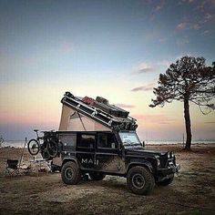 Land Rover Defender 110 Tdi Sw Se County Camper Adventure in camping roof dormobile.
