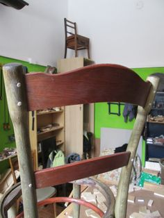 sedia thonet di fine 800: spine di legno inserite e pareggiate