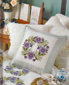 Gallery.ru / Фото #1 - 4 - keikostyle Sewing Pillows, Diy Pillows, Decorative Pillows, Cushions, Throw Pillows, Cross Stitching, Cross Stitch Embroidery, Cross Stitch Patterns, Cross Stitch Pillow
