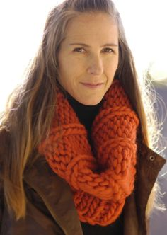 Take on the world in this thick and cozy knit cowl pattern. The Wanderlust Cowl is a gorgeous knit accessory perfect for layering. This no-nonsense cowl is perfect for traveling. It will keep you warm as you explore new cities. Fall Knitting Patterns, Easy Knitting, Knitting Projects, Cowl Patterns, Crochet Patterns, Knitting Tutorials, Knitting Ideas, Finger Knitting, Knit Or Crochet