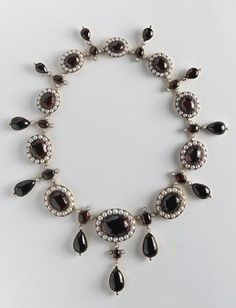 Empress Josephine's Pearl And Garnet Necklace