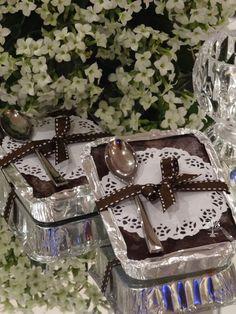 """Quanta alegria em poder compartilhar o sucesso do nosso Brownie e em sua versão """"marmitinhas"""".   Delicioso, cremoso e ainda com uma c..."""