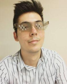 Acabando el día laboral. #ThugLife  #TrunDownForWhat #Gafas cortadas en #Laser  #LaserCut #Cortelaser #Design #DiseñoGrafico #DiseñoIndustrial #Arquitectura #LDG #CNC #Photooftheday #SamsungA5 #vscocam #Instagram #Im #Acrilico #Monterrey #Mexico #NuevoLeon by orlando_correa_s